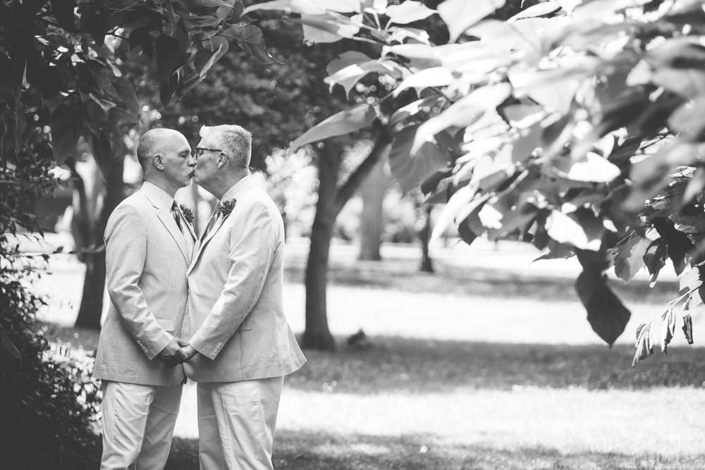 Jeffery_David_Gay_wedding_GrandRapids_LoveWins_JohnBall_Zoo_0043.jpg