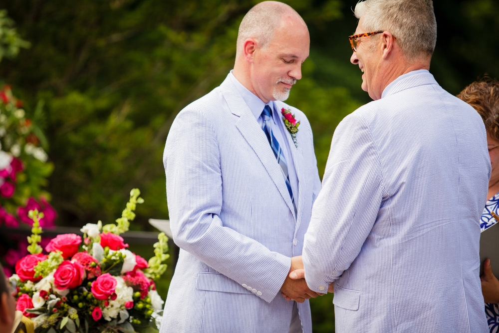 Jeffery_David_Gay_wedding_GrandRapids_LoveWins_JohnBall_Zoo_0058.jpg
