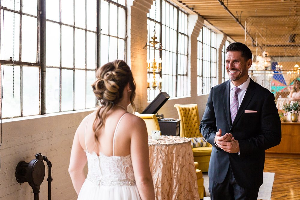 Meghan_Drew_Grand_Rapids_Cheney_place_Wedding019.JPG