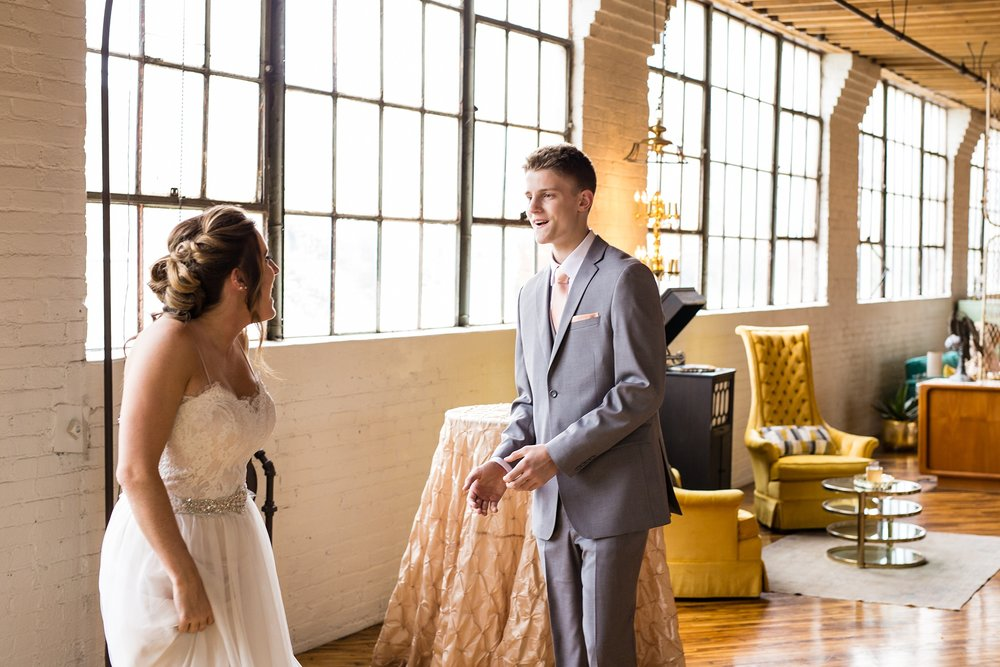 Meghan_Drew_Grand_Rapids_Cheney_place_Wedding022.JPG