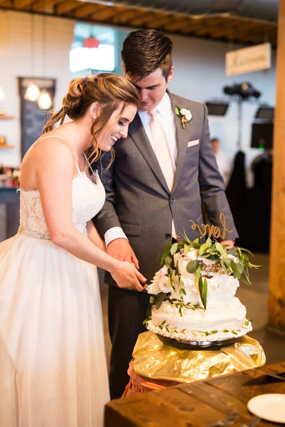 Meghan_Drew_Grand_Rapids_Cheney_place_Wedding079.JPG