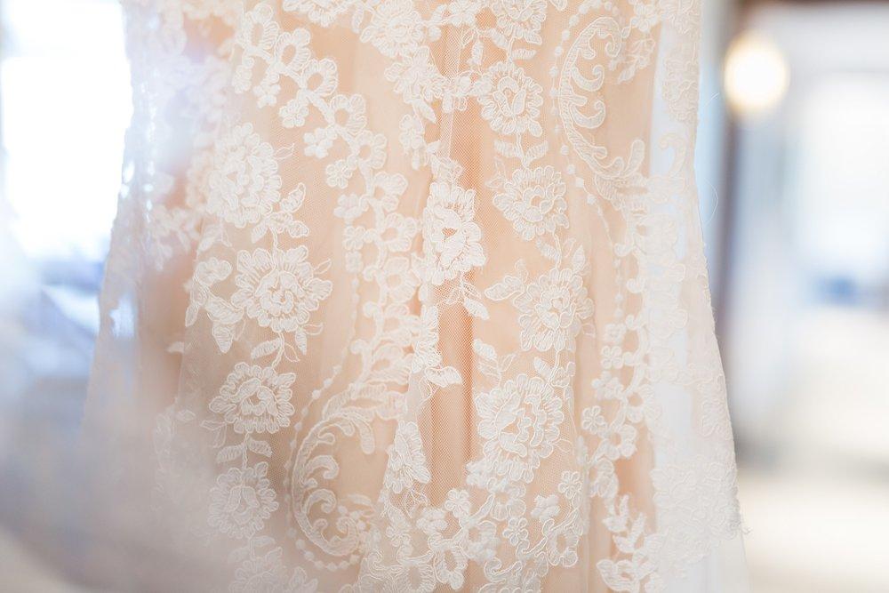 Becky_Cameron_Grand_Rapids_Blythefield Country_Club_Wedding009.JPG