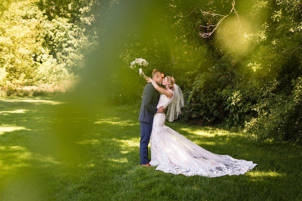 Becky_Cameron_Grand_Rapids_Blythefield Country_Club_Wedding025.JPG