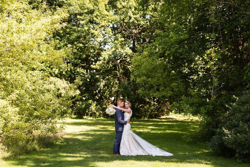 Becky_Cameron_Grand_Rapids_Blythefield Country_Club_Wedding027.JPG