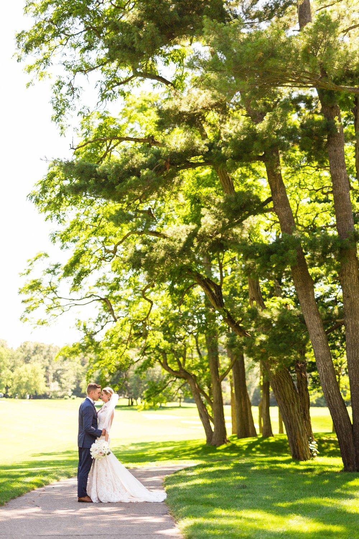 Becky_Cameron_Grand_Rapids_Blythefield Country_Club_Wedding033.JPG