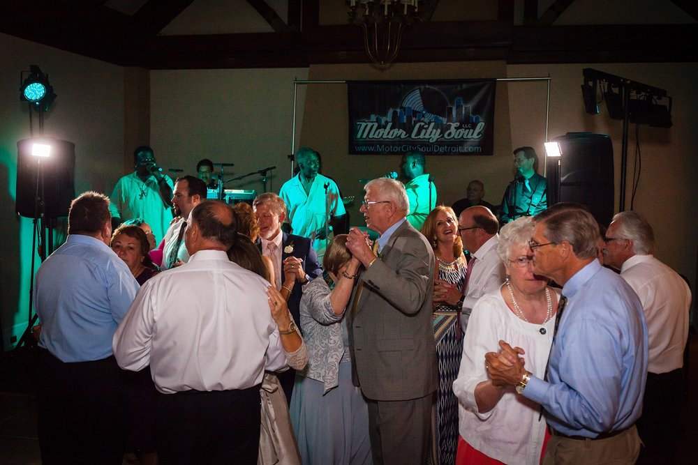 Becky_Cameron_Grand_Rapids_Blythefield Country_Club_Wedding074.JPG