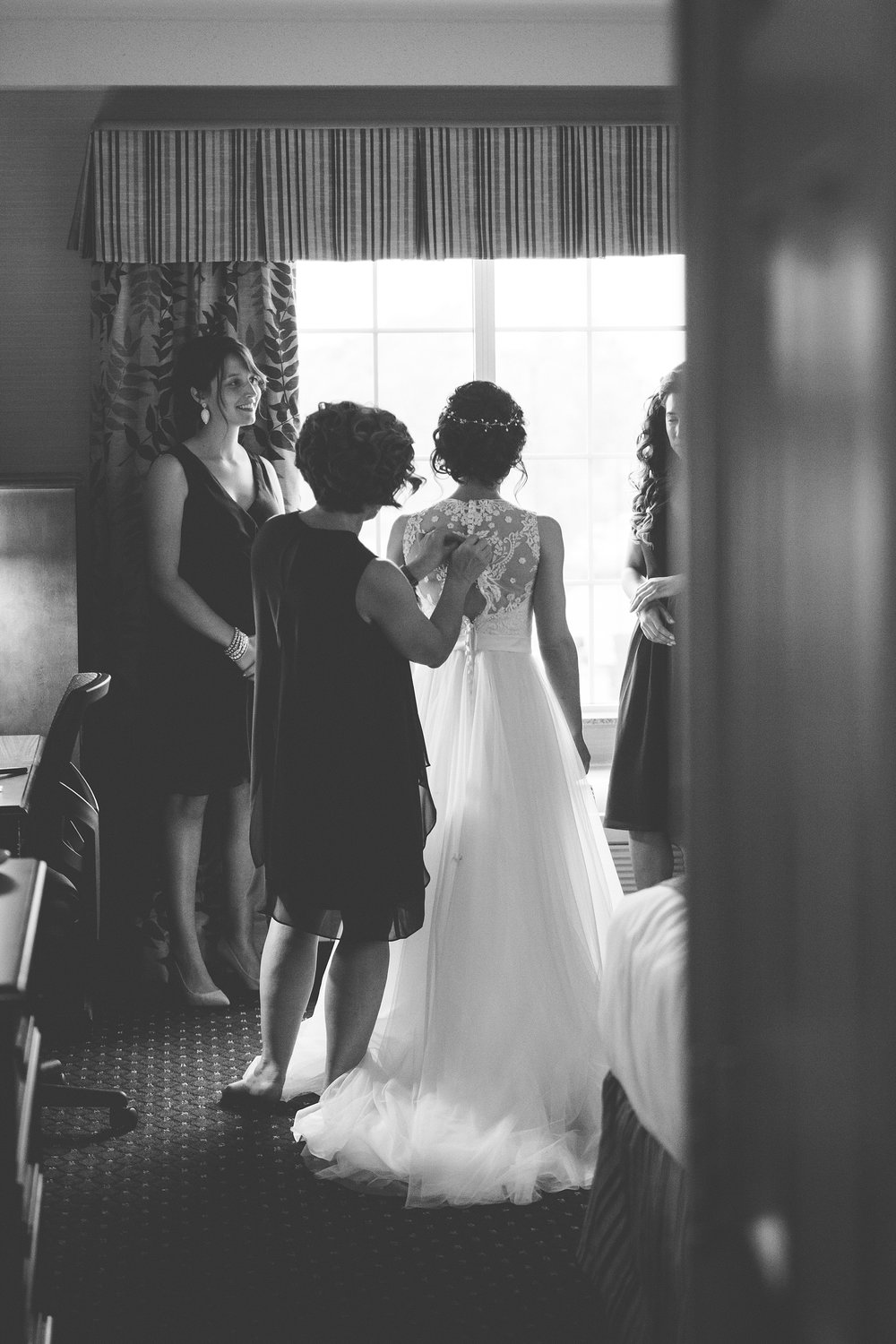Brandon_Shafer_Photography_Lauren_Ethan_New_Vintage_Place_Grand_Rapids_Wedding_0014.jpg