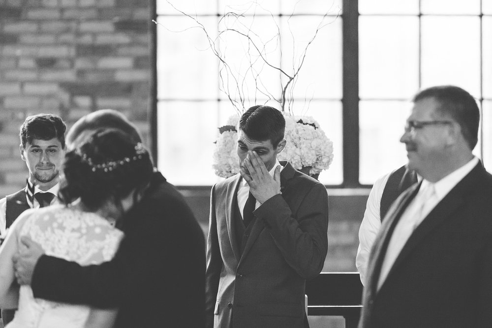Brandon_Shafer_Photography_Lauren_Ethan_New_Vintage_Place_Grand_Rapids_Wedding_0034.jpg