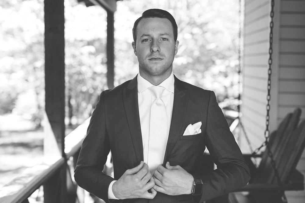 Brandon_Shafer_Photography_Kara_Doug_12_corners_Wedding_Benton_Harbor_0011.jpg