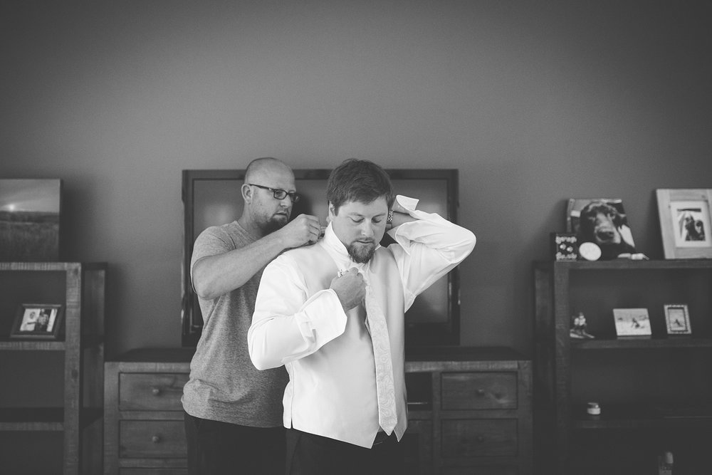 Brandon_Shafer_Photography_Elizabeth_Scott_Traverse_City_Wedding_0010.jpg