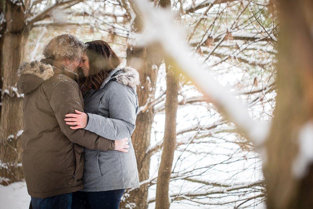 Brandon_Shafer_Photography_Winter_Engagement011.JPG