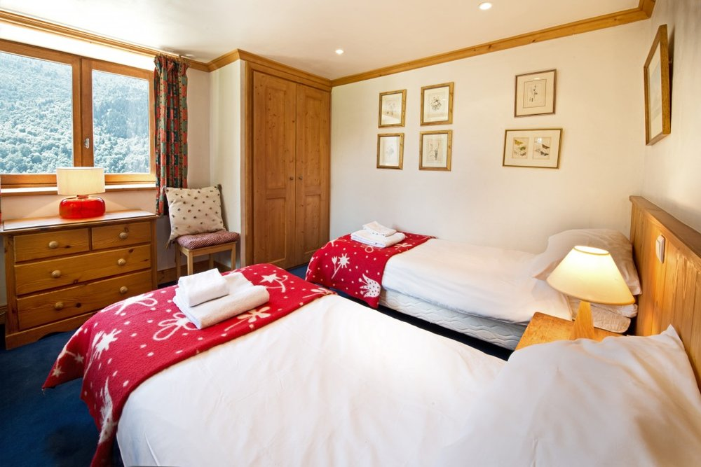bedroom_twin-1140x760.jpg