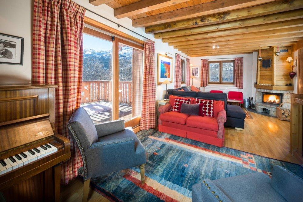 living_room_2-1-1140x760.jpg