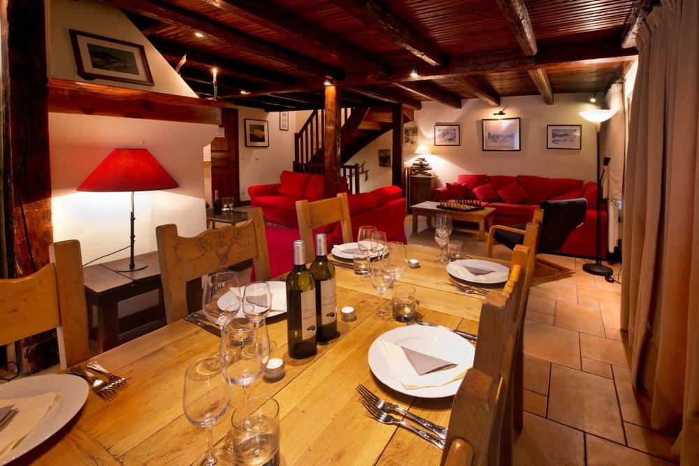 dining_table-1140x760.jpg