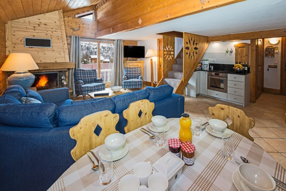 living_room2-1140x760.jpg