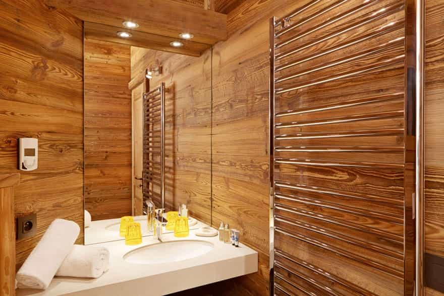 luxury-modern-chalet-bathroom.jpg