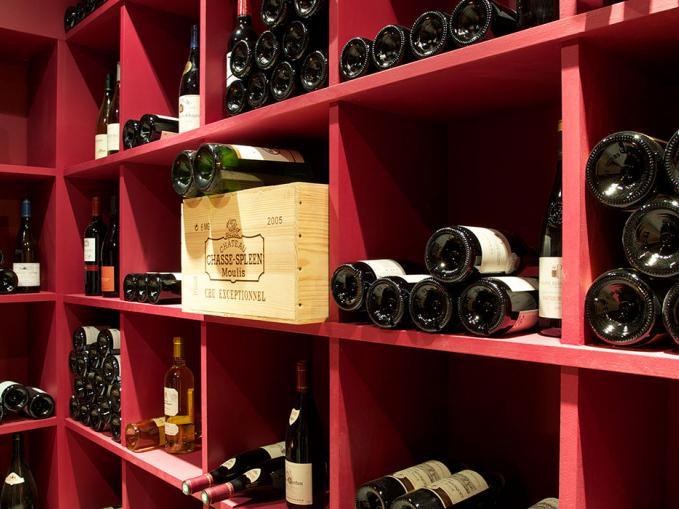 les-rives-d-argentiere-chamonix-the-hamlet-wine-rack.jpg