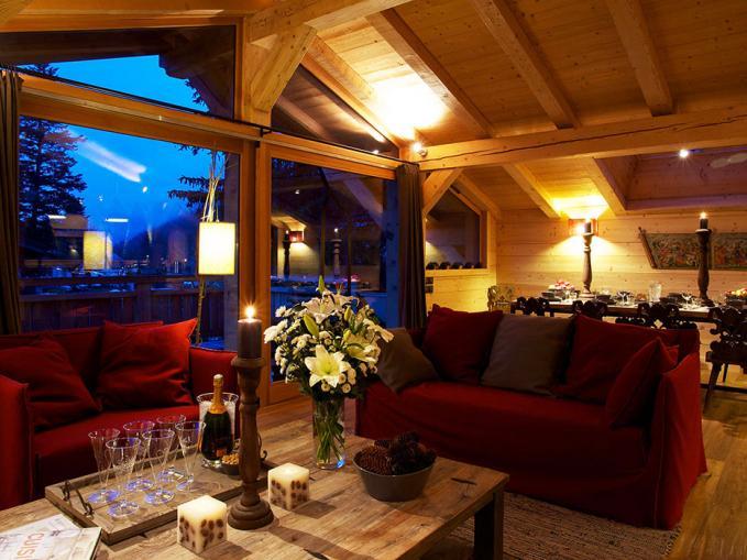 les-rives-d-argentiere-chalet-ardoise-lounge-area-2.jpg