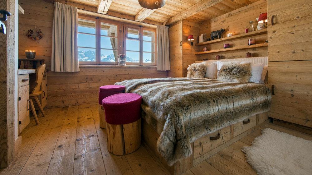 Nyumba_-_Bedroom_2_1.jpg