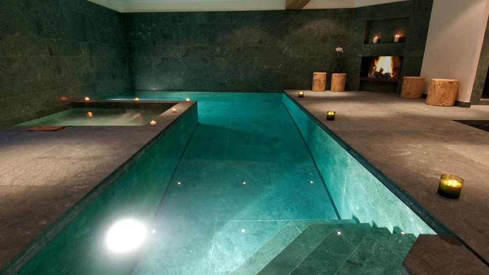 Nyumba_-_Swimming_Pool_1_1.jpg