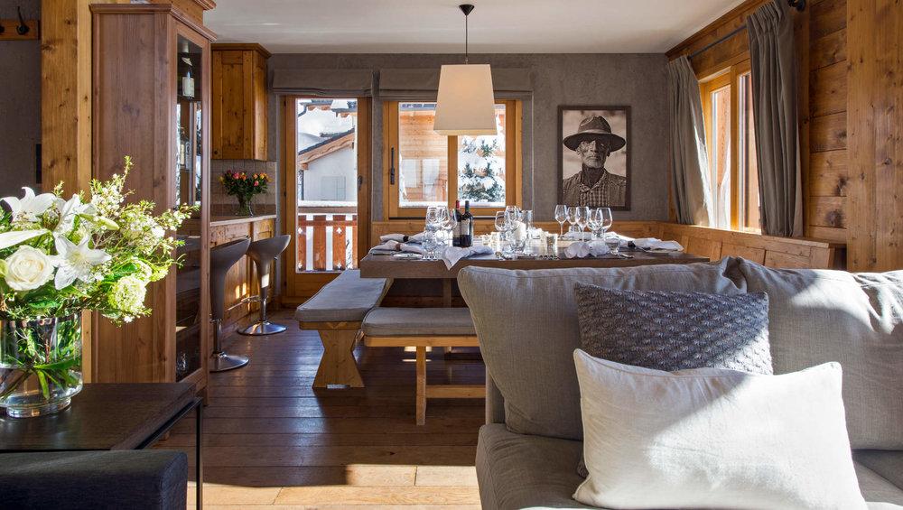 Pierre_Avoi_-_Upstairs_Living_Room_2_1.jpg