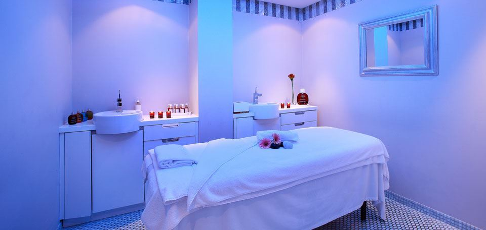 8104822spa-treatment-room.jpg