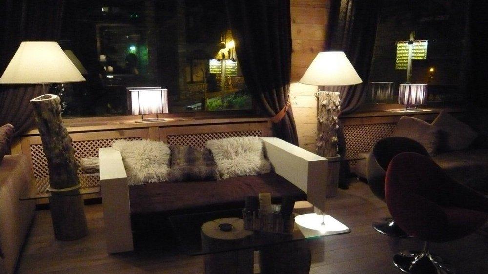 le-tsanteleina-hotel-val-d-isere-lounge.jpg