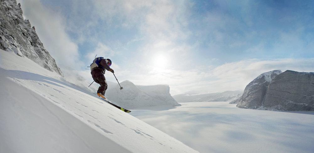 Heli_ski_panorama.jpg