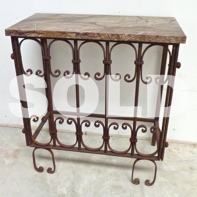 table-u.jpg