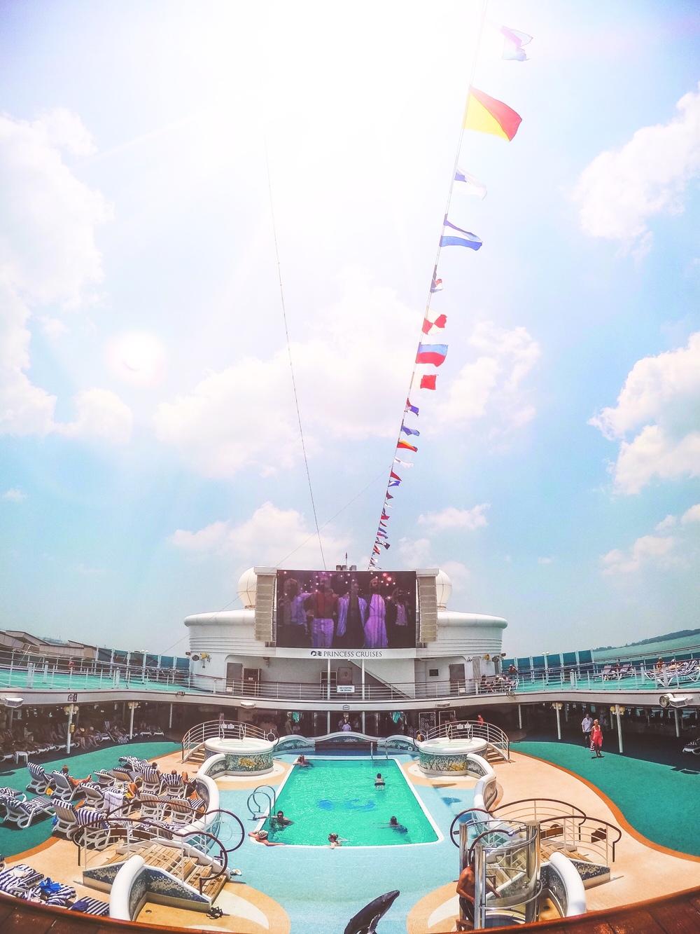 Cruise 1.jpg