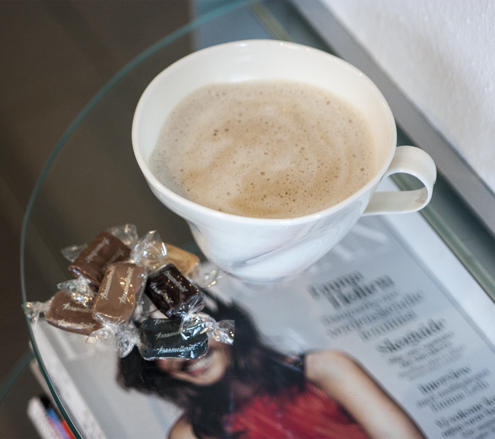 Salon-Jargon-interior-coffee-caramel.png
