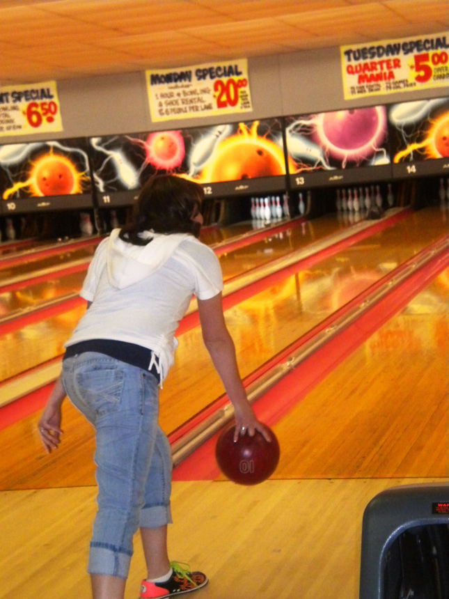 Life with Amberly & Joe - Bowling Date