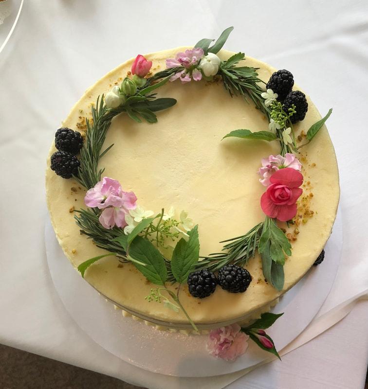 Studio-Sprig-Cake Wreath-Rosemary.jpg