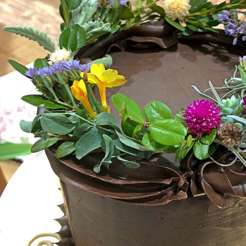 Studio-Sprig-Chocolate-Cake-Wreath.jpg
