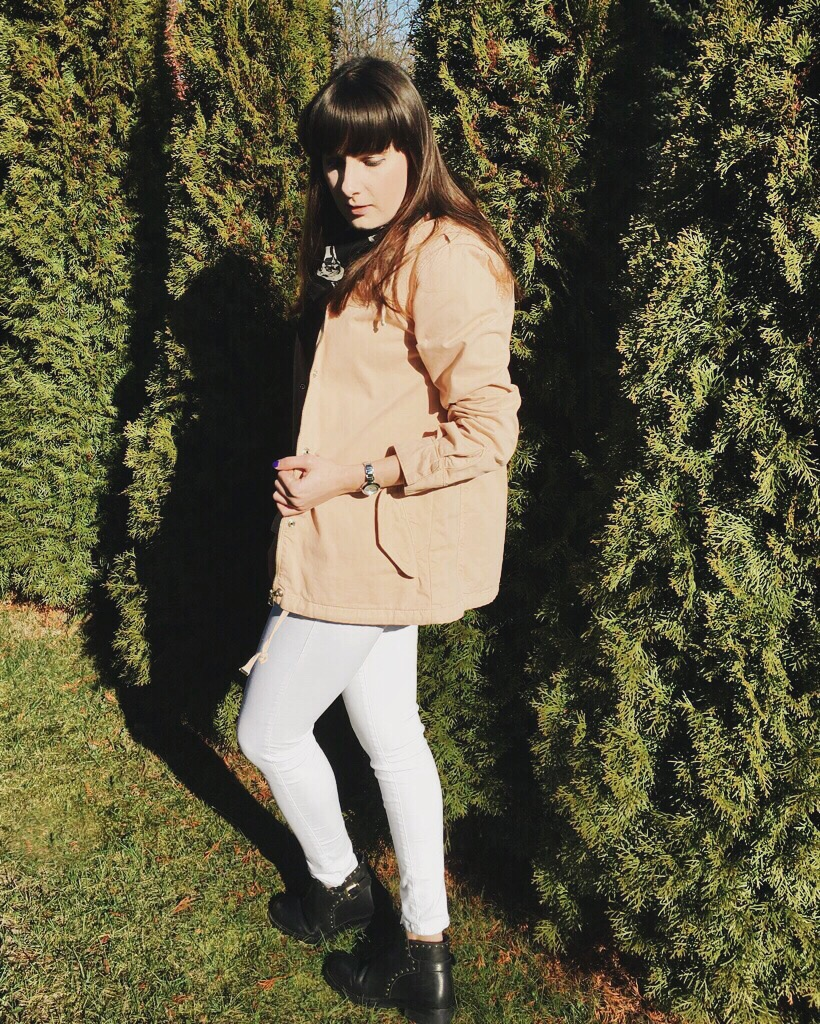 Wearing: Topshop jacket, jeans, boots / Acne Studios top / Saint Laurent scarf / DKNY watch