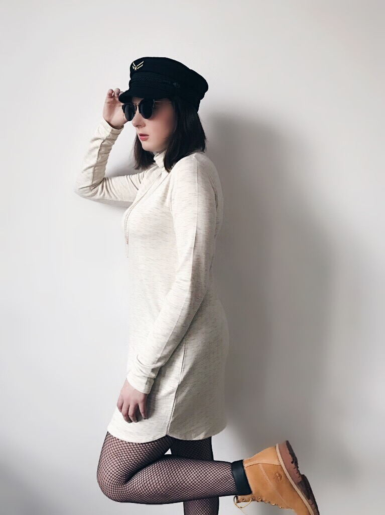 Wearing: Abercrombie & Fitch dress / Tommy x Gigi cadet hat / Emma & Chloé necklace / TIJN Eyewear sunglasses / Timberland boots
