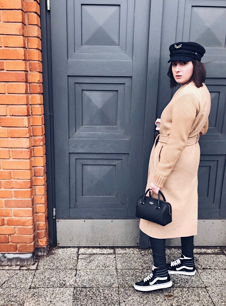Wearing: Diesel coat / 7 for all mankind knit / Gatta leggings / Kate Spade New York bag / Vans sneakers / Tommy Hilfiger hat