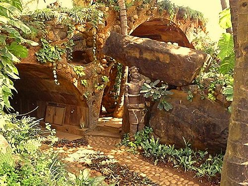 I worked as a stone mason at this  Nari Gandhi bungalow in Mumbai when I was 21,  Ritu Saheb, Architect, AIA