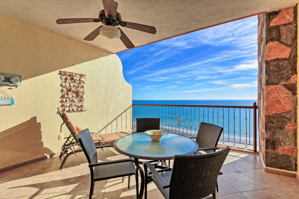 The Sonoran Sky Resort  from $99 Nt (1BA/1BR 12th Fl)