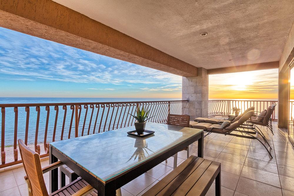 The Sonoran Sun Resort  from $249 Nt (3BR/2BA 4th Floor)