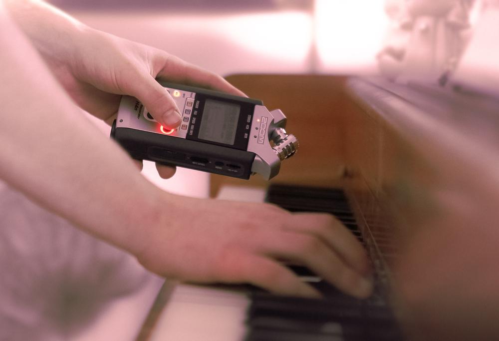 "Recording ""organic"" piano."