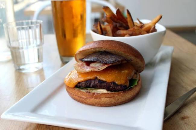 Image: Stackhouse burger (Randa Salloum)