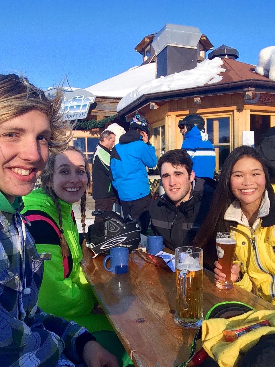 Quick Bier and Glühwein mid-run, Zell am See - Kaprun