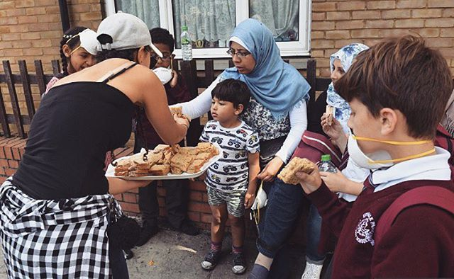 Community spirit in west London today. Sending love to all those effected by the terrible fire at Grenfell Tower last night. If there's one thing Londoners are good at, it's coming together in tough times. When anything as awful as this happens, it brings out the compassion in everyone. It's so incredible to see how many people have gone to help out 🙌🏽🙌🏽🙌🏽Lets keep living and loving that way. #DoSomethingForNothing