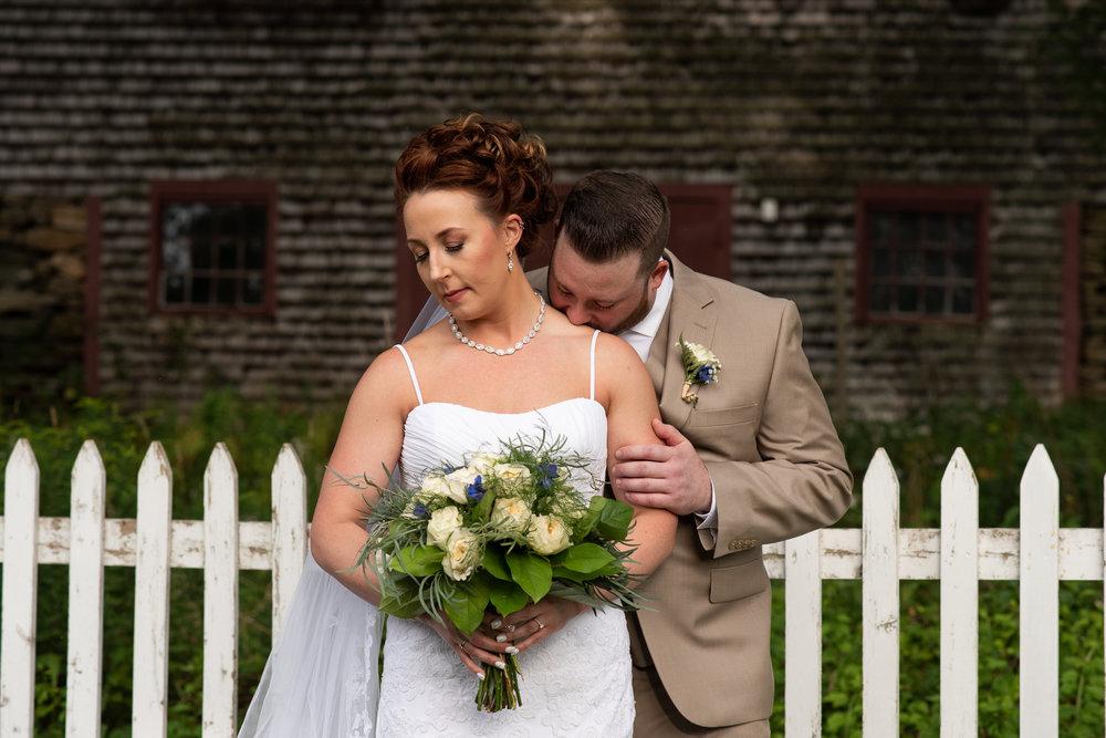 Old Sturbridge Village outdoor wedding photos in Sturbridge, MA photographer Kara Emily Krantz Photography.