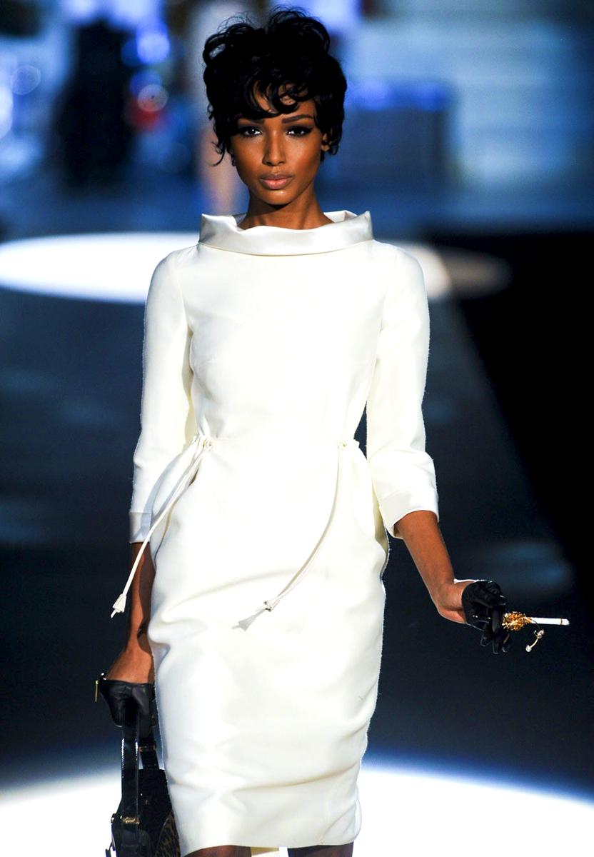 Sassy Style    Super chic.   via  peepin2vee :     Classy Black Woman       Stay fab, join Sassy Nation     http://sassynation.tumblr.com     http://www.facebook.com/TheSassyNation     http://twitter.com/#!/SassyNation