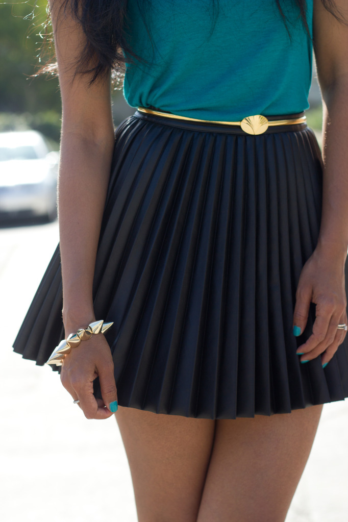 Sassy Style    Pretty pleats    Keep it classy, join Sassy Nation     http://sassynation.tumblr.com     http://www.facebook.com/TheSassyNation     http://twitter.com/#!/SassyNation