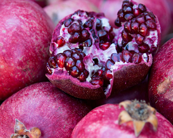 Bella Sassy    via  beautylish :     Did you know pomegranates carry more antioxidants than green tea? They also make a great exfoliator - check out this   DIY pomegranate scrub recipe  !             Keep it sassy, join Sassy Nation     http://sassynation.tumblr.com     http://www.facebook.com/TheSassyNation     http://twitter.com/#!/SassyNation