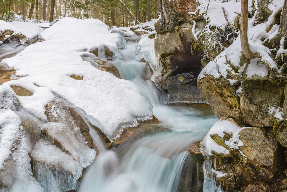 Winter_Waterfall_White_Mountains_NH_Jeff_Baumgart_Creative_Media-1.jpg