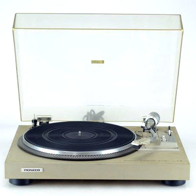 Pioneer PL-516 Semi-Automatic Belt-Drive Turntable c.1978